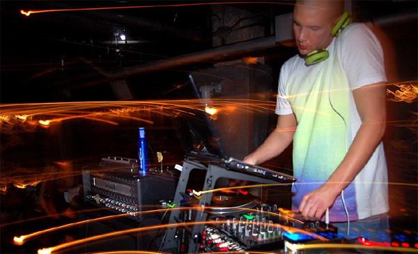 DJ Benzi